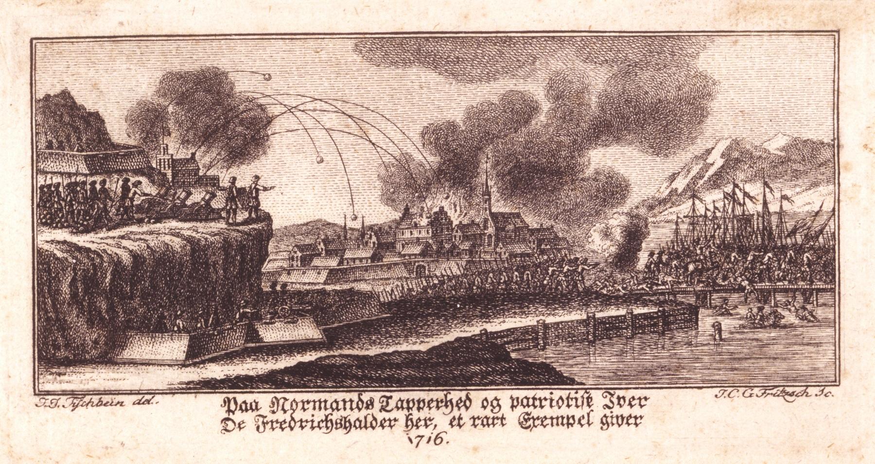 Angrepet på Halden. Bildet viser tre situasjoner i ett: Beskytingen av byen, brannen og svenskenes tilbaketrekning til Nordsiden. Kobberstikk av Johann Christian Gottfried Fritzsch (tysk, ca. 1720-1802) etter tegning av Johann Jacob Tischbein (tysk, 1724-1791).